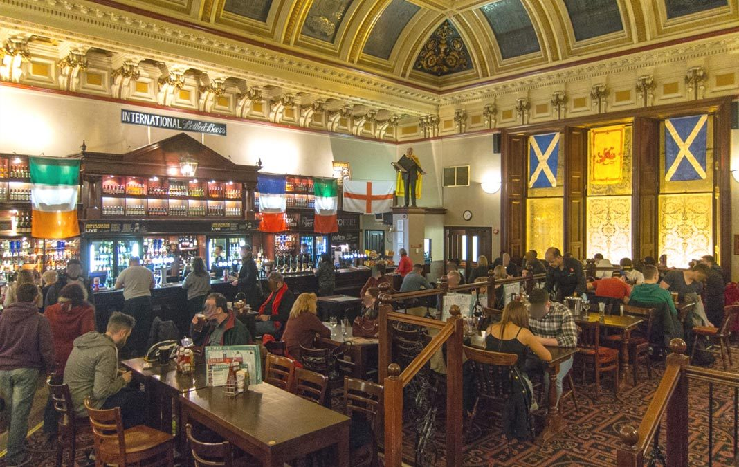 Pub à Edimbourg : The Standing Order