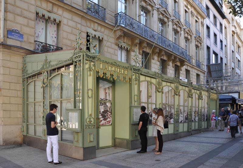 Ladurée, Champs-Élysées, Paris_8e